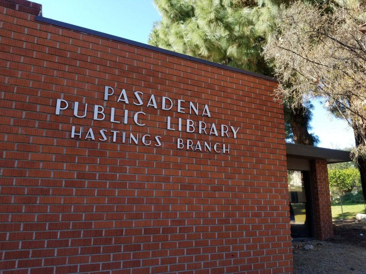 Checkin Pasadena Public Library – Hastings