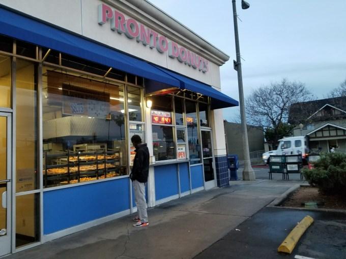 Checkin Pronto Donuts