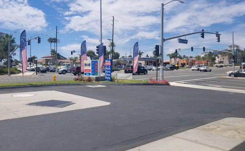 View of the intersection in front of the gas station