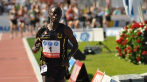 Lewis Korir sololöpte och utklassade konkurrenterna på 5000 m.