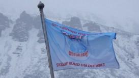 Worldloppsflaggan i den friska vinden