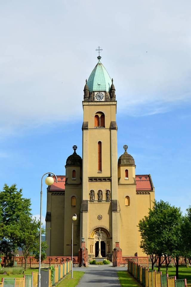 Catedrala intr-un sat uitat de lume