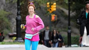 """Singing to EMF's """"Unbelievable,"""" Kimmy Schmidt has a rockin' playlist . . . and an amazing running outfit."""