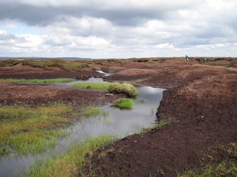 Eroded bare peat on Kinder Scout in the Peak District (photo credit: Angus Rosenburgh)