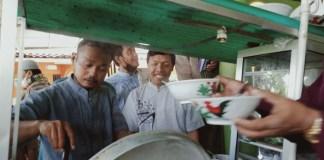Pedagang Bakso Keliling di Keroyok Jamaah