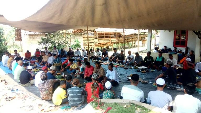 Sesepuh Kampung Wangun Jaya Desa Ciaruteun Ilir Gelar Upacara Adat Sedekah Bumi