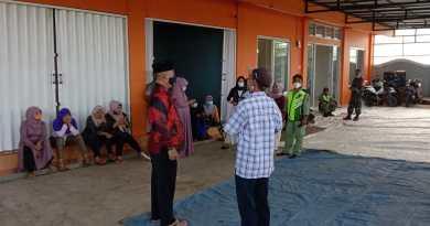 Sambut Ramadhan 1442 H, Kades Cicadas Santuni Para Janda