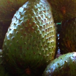 guanabana colombian fruit