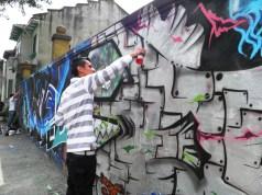 Bogota mural artist