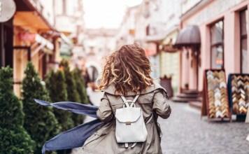 Ako zmeniť obyčajný jesenný outfit na štýl a eleganciu? Trendy ruksak je to pravé!