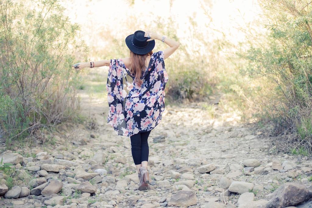 ruby-ribbon-kimono-shawl-floral-print-shape-wear-bohemian-western-bedstu 9
