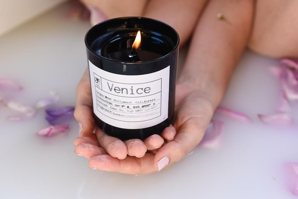 flower-bath-flores-lane-soy-candles-boho-bunnie-overtone-hair-color-inspiration-rose-milk-bohemian-fashion-blogger-joshua-tree-retreat- 24