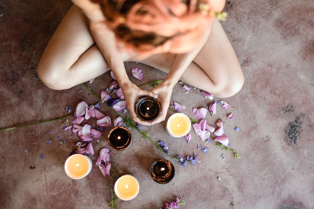 flower-bath-flores-lane-soy-candles-boho-bunnie-overtone-hair-color-inspiration-rose-milk-bohemian-fashion-blogger-joshua-tree-retreat- 51
