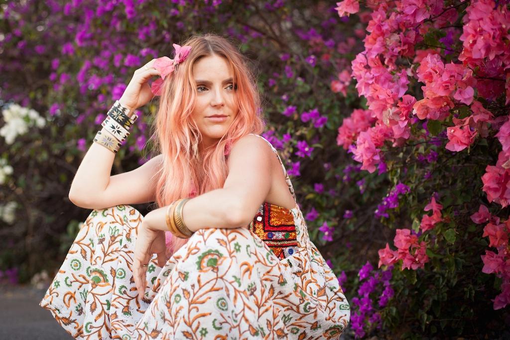the-avarca-store-pachamama-bohemian-maui-beach-fashion-blogger-boho-bunnie-mibo-gold-leather-slingback-sandal-sun-dress 15