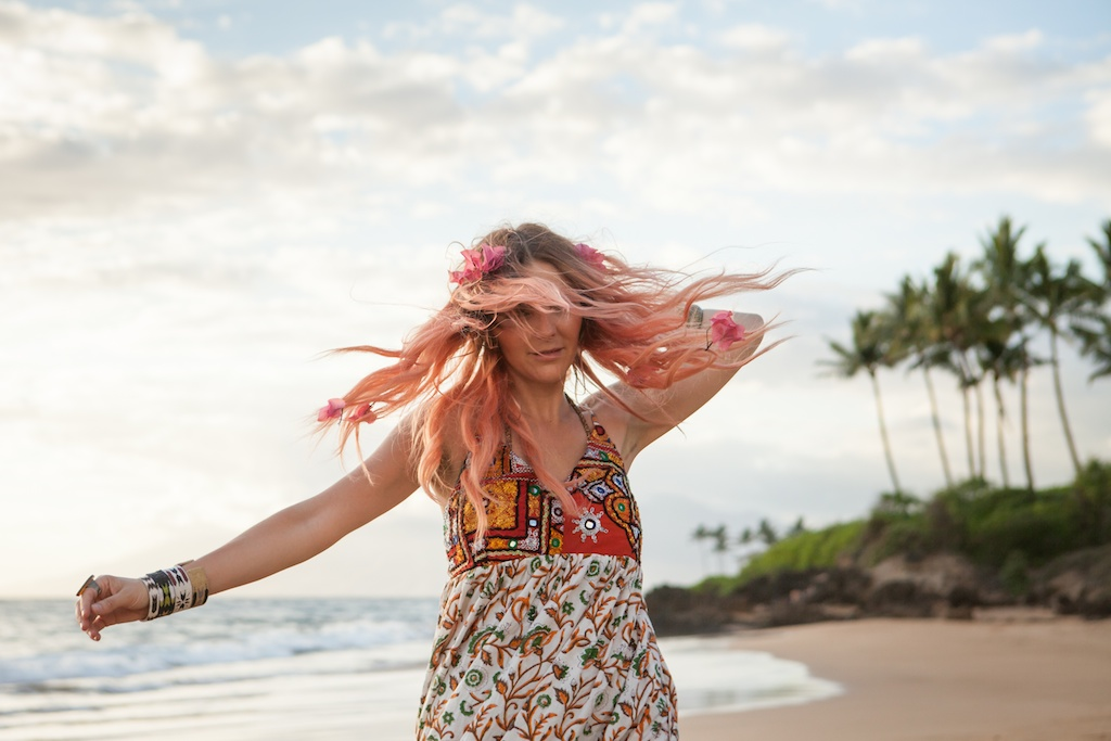 the-avarca-store-pachamama-bohemian-maui-beach-fashion-blogger-boho-bunnie-mibo-gold-leather-slingback-sandal-sun-dress 28
