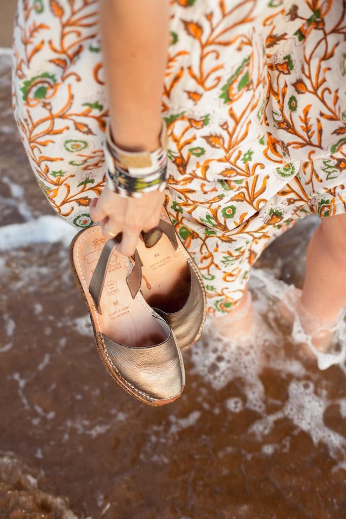 the-avarca-store-pachamama-bohemian-maui-beach-fashion-blogger-boho-bunnie-mibo-gold-leather-slingback-sandal-sun-dress 34