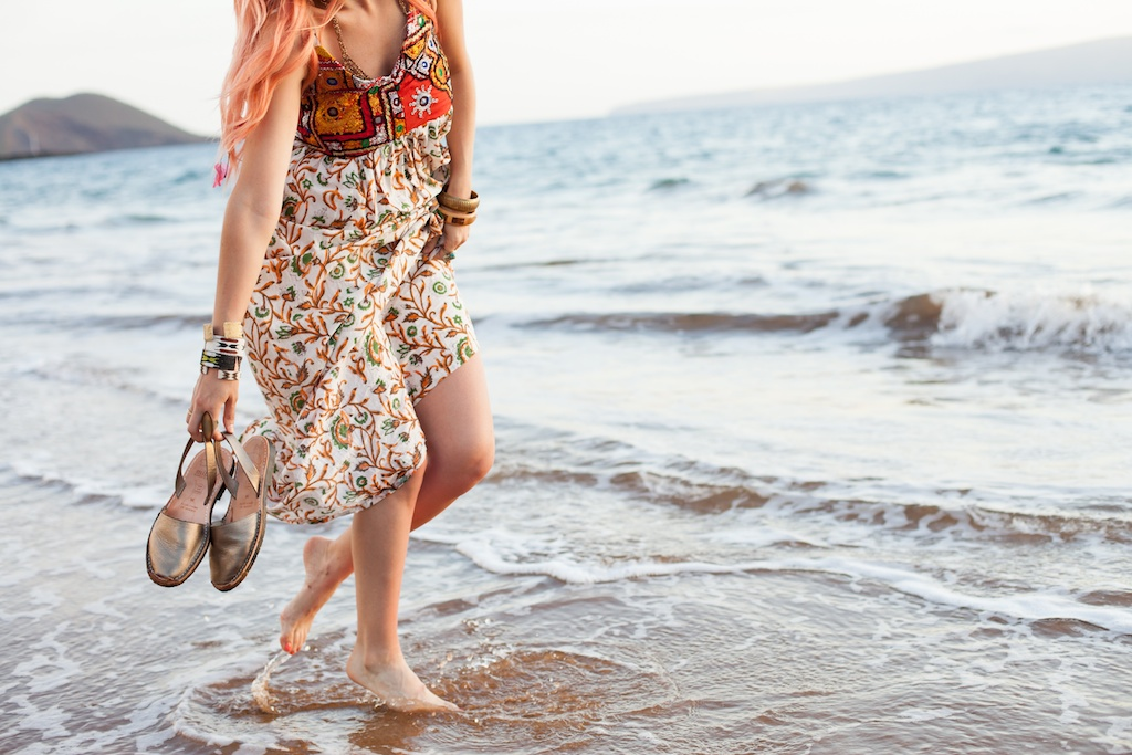 the-avarca-store-pachamama-bohemian-maui-beach-fashion-blogger-boho-bunnie-mibo-gold-leather-slingback-sandal-sun-dress 35