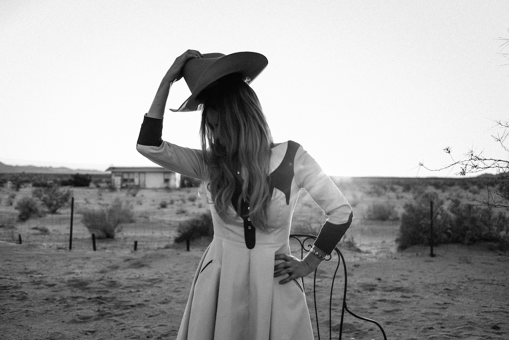 rockin-b-western-nudie-suit-dress-vintage-circle-skirt-fringe-boots-stetson-cowboy-hat-pedal-steel-guitar-female-player-boho-bunnie-joshua-tree-fashion-blogger-country-musician-andrea-whitt 20