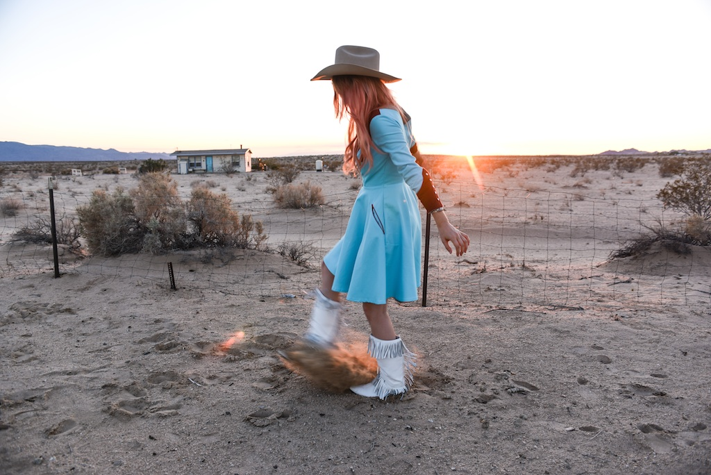 rockin-b-western-nudie-suit-dress-vintage-circle-skirt-fringe-boots-stetson-cowboy-hat-pedal-steel-guitar-female-player-boho-bunnie-joshua-tree-fashion-blogger-country-musician-andrea-whitt 27