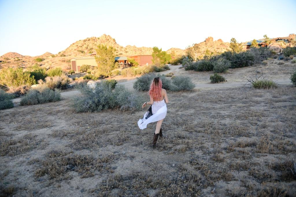this-is-mouth-chevaux-dress-horse-halter-joshua-tree-fashion-blogger-rancho-v-overtone-boho-travel-desert-photo-shoot-global-made-in-la 24