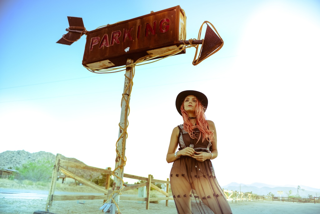 gypsy-junkies-joshua-tree-desert-pioneertown-pappy-and-harriets-western-fashion-travel-blogger-boho-bunnie-bohemian-10