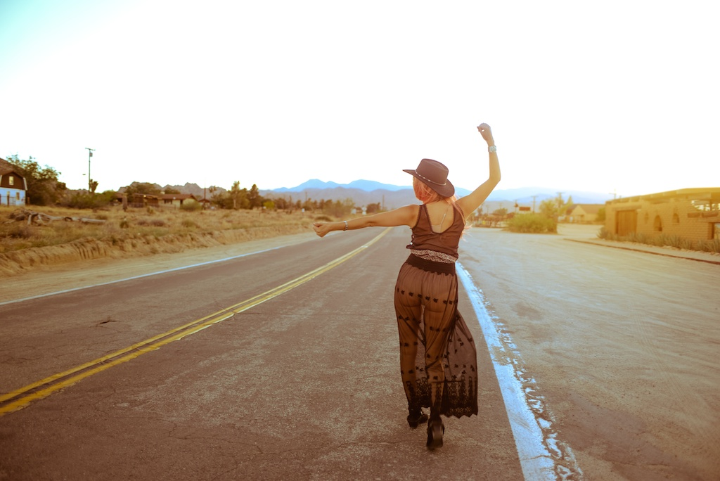 gypsy-junkies-joshua-tree-desert-pioneertown-pappy-and-harriets-western-fashion-travel-blogger-boho-bunnie-bohemian-18