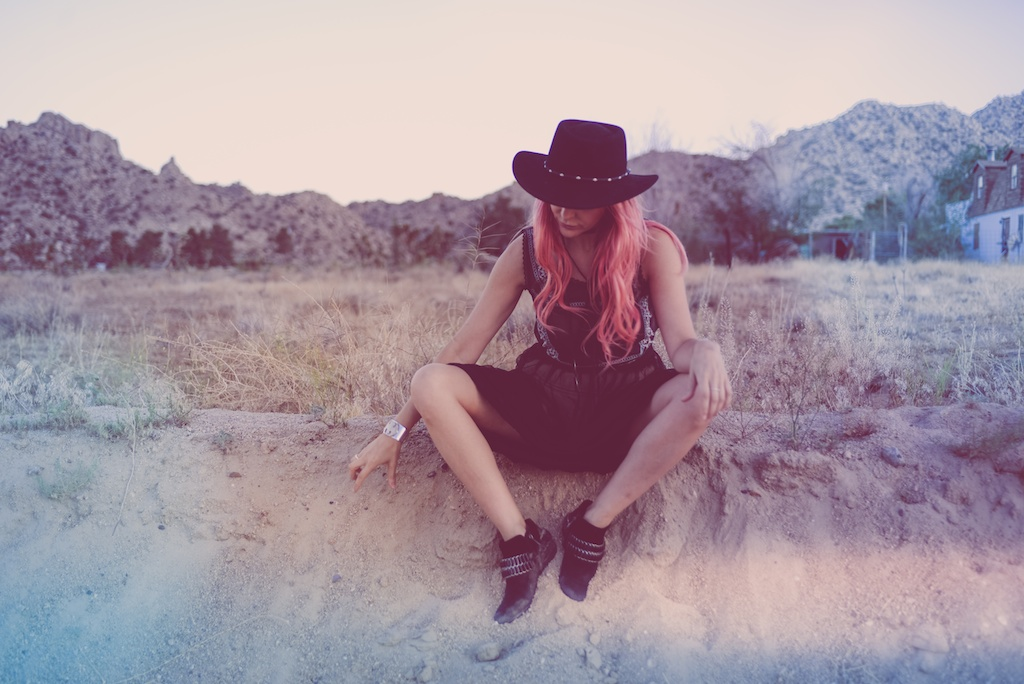 gypsy-junkies-joshua-tree-desert-pioneertown-pappy-and-harriets-western-fashion-travel-blogger-boho-bunnie-bohemian-6