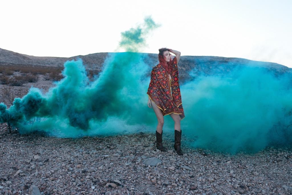 pachamama-bohemian-overtone-bohobunnie-smoke-bomb-fashion-blogger-vegas-poncho-shawl-indian-14