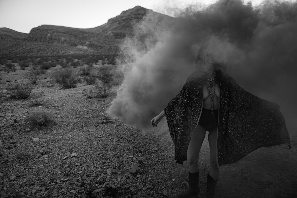 pachamama-bohemian-overtone-bohobunnie-smoke-bomb-fashion-blogger-vegas-poncho-shawl-indian-5
