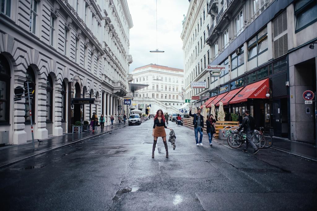 white-crow-brand-thigh-high-jeffrey-campbell-vegan-suede-free-people-lace-up-shirt-austria-vienna-fashion-blogger-boho-bunnie-27