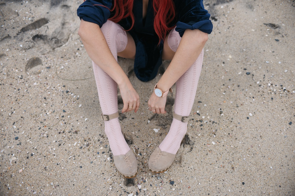 free-people-fpme-choose-me-velvet-mini-pointelle-thigh-high-socks-jeffrey-campbell-clogs-overtone-ettika-fashion-blogger-beach-california-12