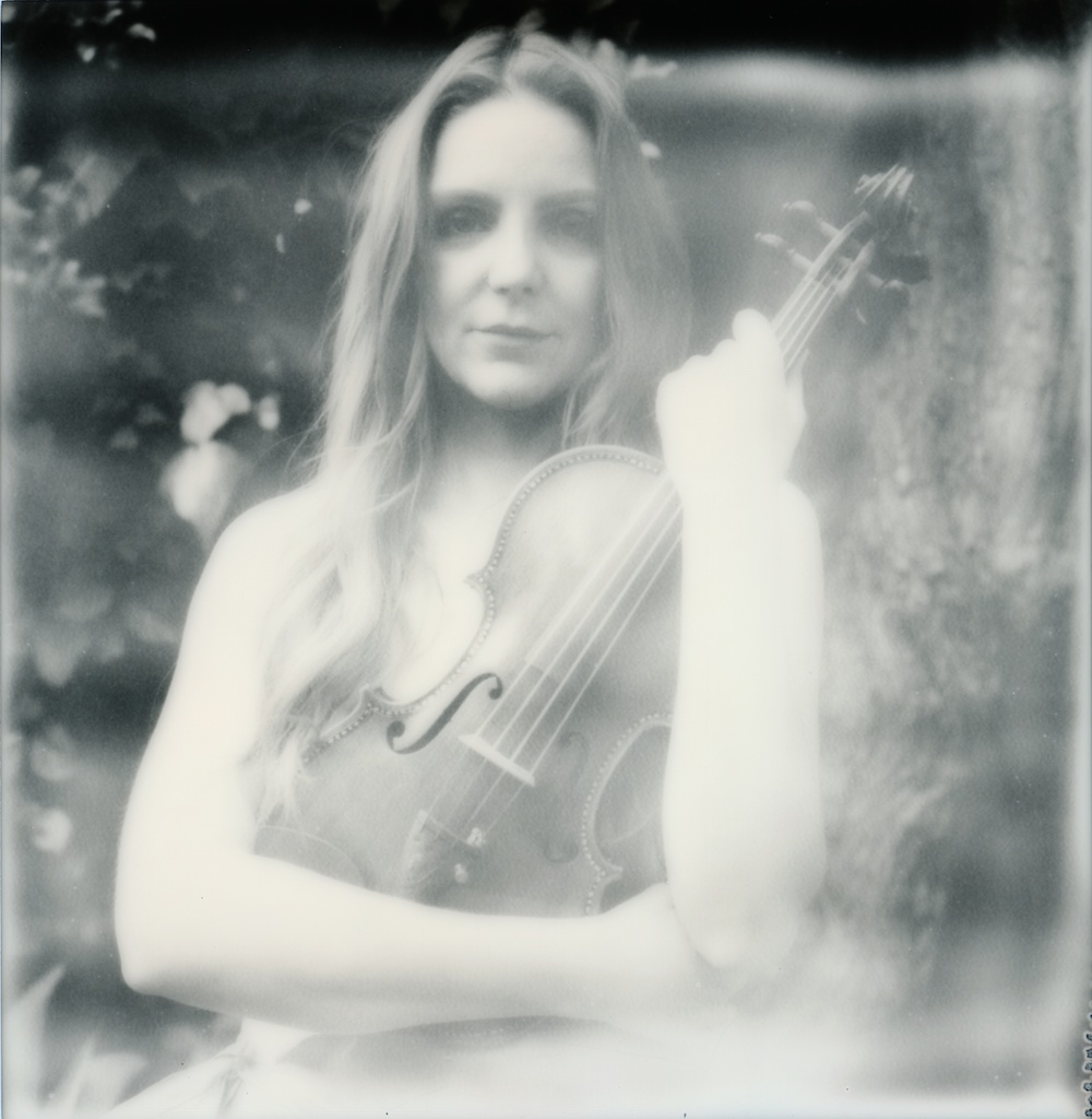 polaroid-impossible-project-violin-laurel-canyon-fashion-blogger-instant-film-vintage-violin-bohemian-valentines-day-photo-shoot-14