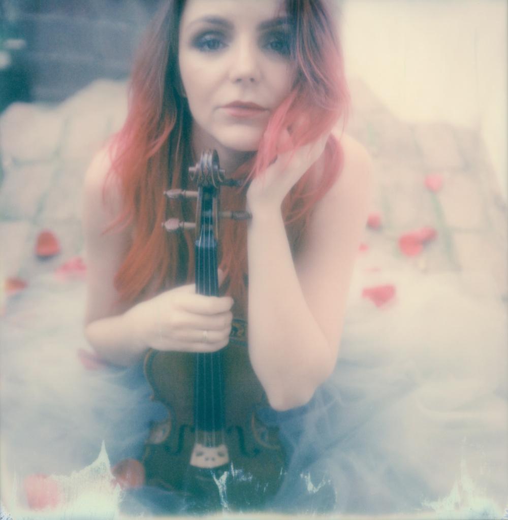 polaroid-impossible-project-violin-laurel-canyon-fashion-blogger-instant-film-vintage-violin-bohemian-valentines-day-photo-shoot-4
