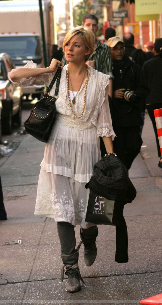 Sienna Miller con un estilo Boho Chic