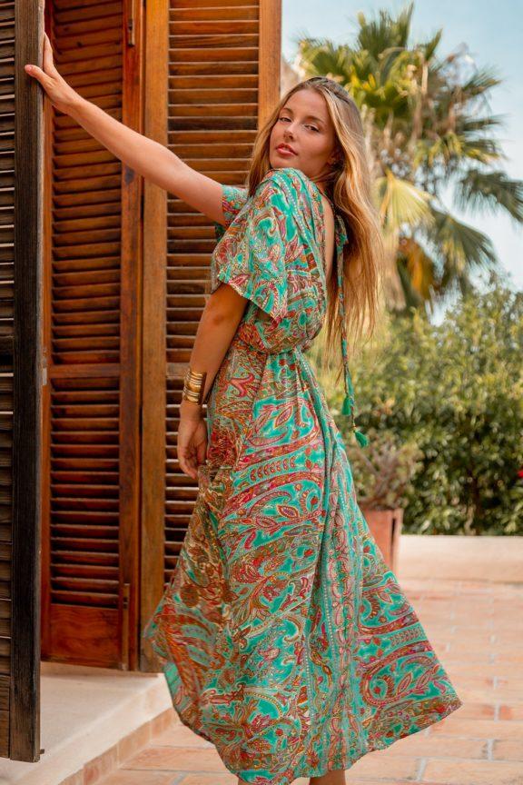 Vestido de seda de estilo bohemio