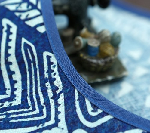 Artka синяя туника с белыми узорами