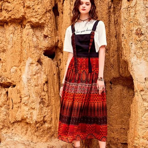 Artka платье на лямках с красной юбкой