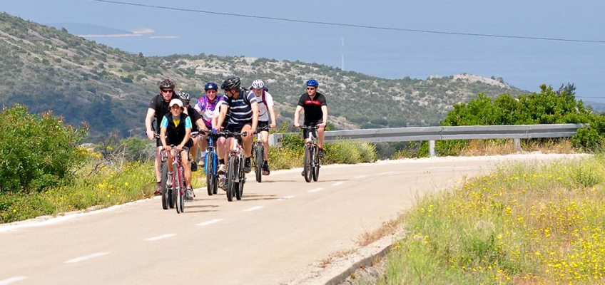 CYCLING TOURS IN CETINA CANYON