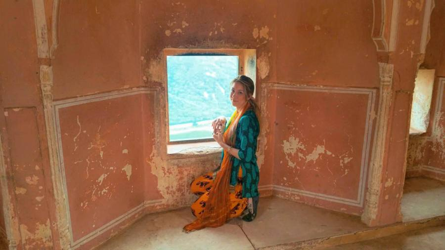 ethnic clothing, indian clothes, india, jaigarh fort, amer fort, amber, jaipur, travel