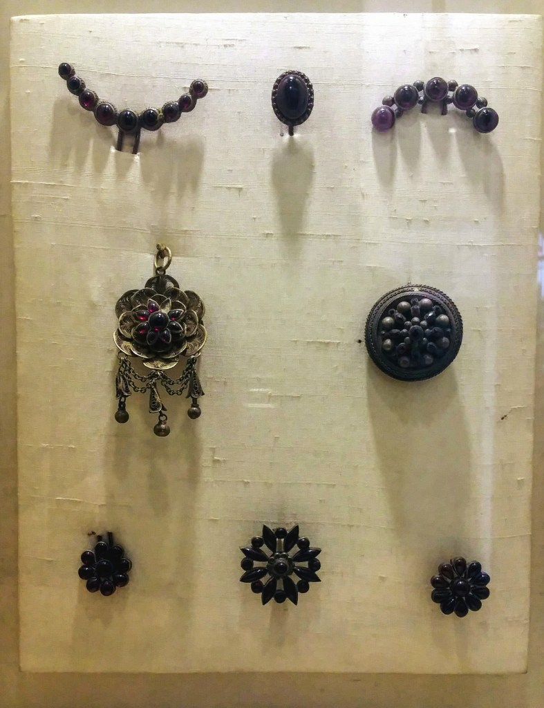 jewelry, amethyst, india, albert hall, old jewelry, antique jewelry, hand made, travel