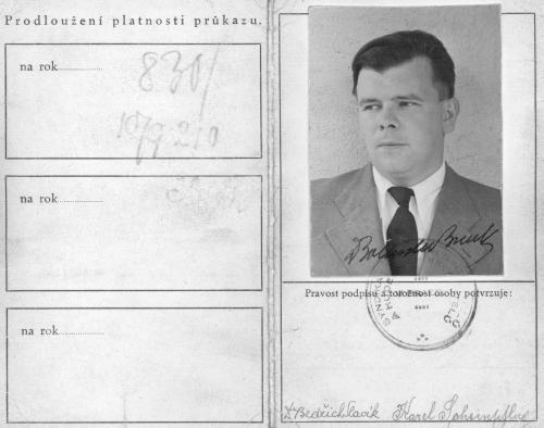 Vnější strany legitimace Syndikátu českých spisovatelů a hudebních skladatelů, 1943