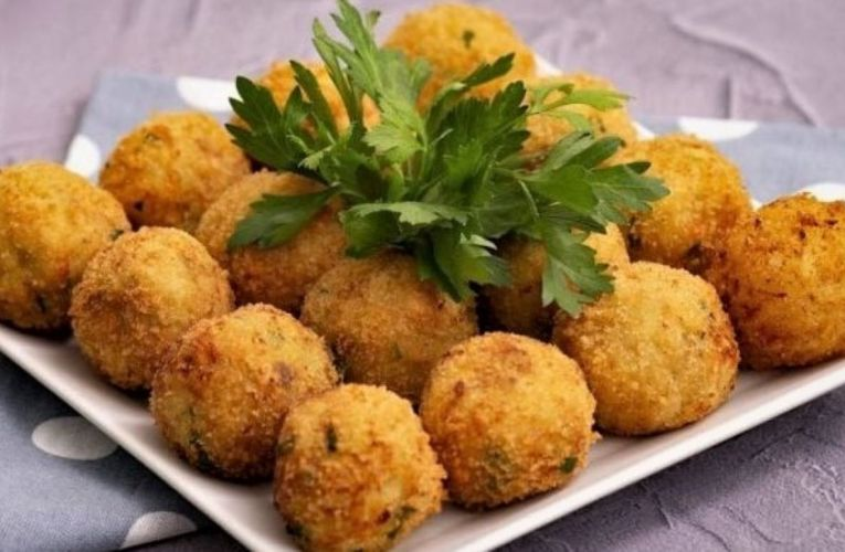 Salmon and potato balls: the recipe for quick and tempting croquettes