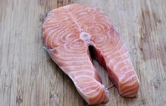 Salmon and barley salad