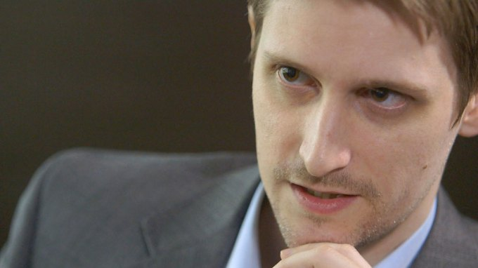 Edward-Snowden-Interview-011