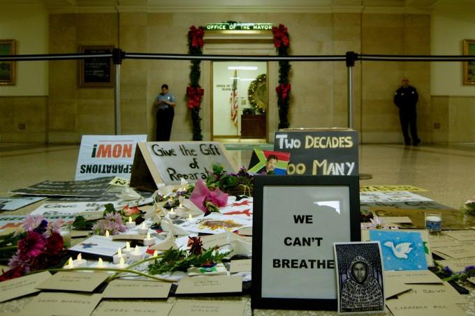 Memorial outside Mayor Rahm Emanuel's Office [photo by Caroline Siede]