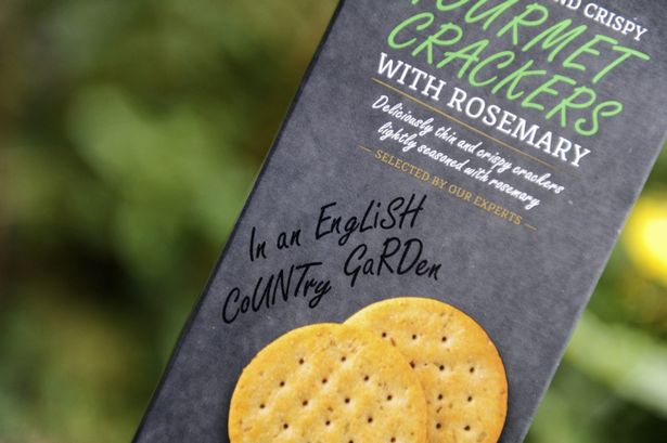 PAY-ALDI-Crackers-rude-typo