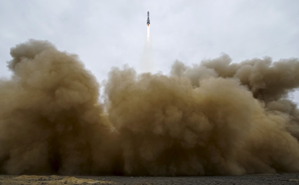 The Proton-M rocket, carrying the ExoMars 2016 spacecraft to Mars, blasts off from the launchpad at the Baikonur cosmodrome, Kazakhstan, March 14, 2016.   REUTERS/Shamil Zhumatov - RTX292NV