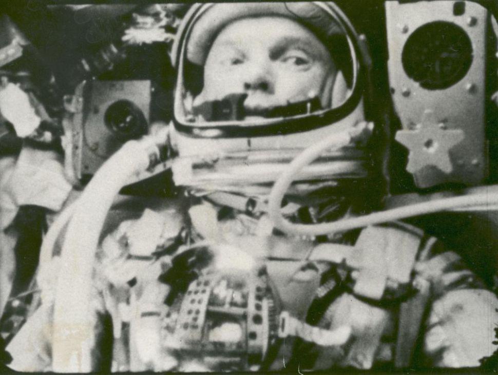 john-glenn-in-orbit