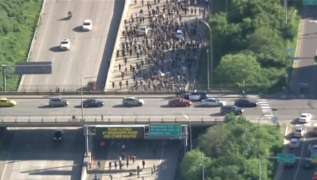 Protesters shut down I-35 freeway in Minneapolis