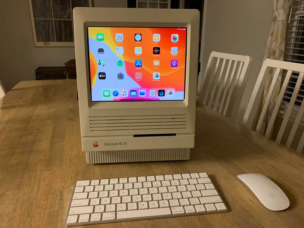iPad looks great in an SE/30 case